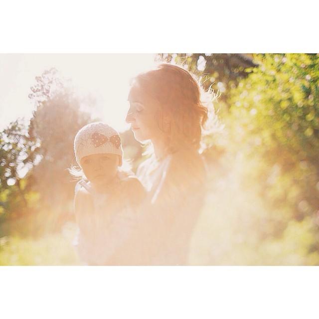 Такое оно долгожданное и окутывающее своими лучами:) Лето. Детство:) #маминосчстье #семейный_фотограф #sun #bicfp @bicfp #mariebo #family_photographer #babyboom #love_and_family