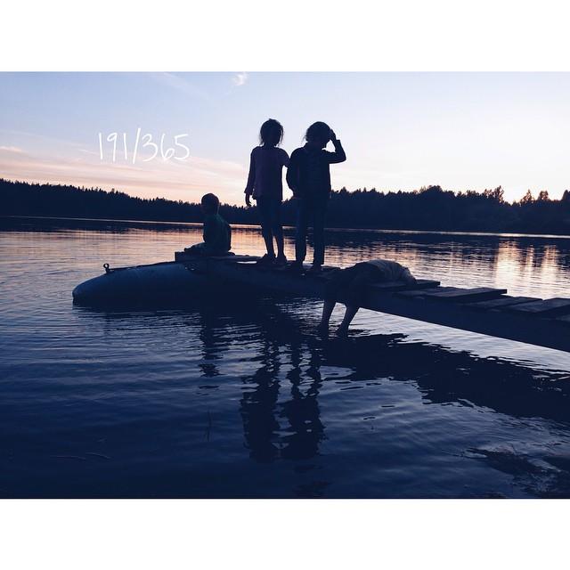Беззаботное детство. Как иногда хочется туда. В тихую гавань заботы, опеки и неведения. до_30 #счастье_есть      #когдатвоидрузьястобой