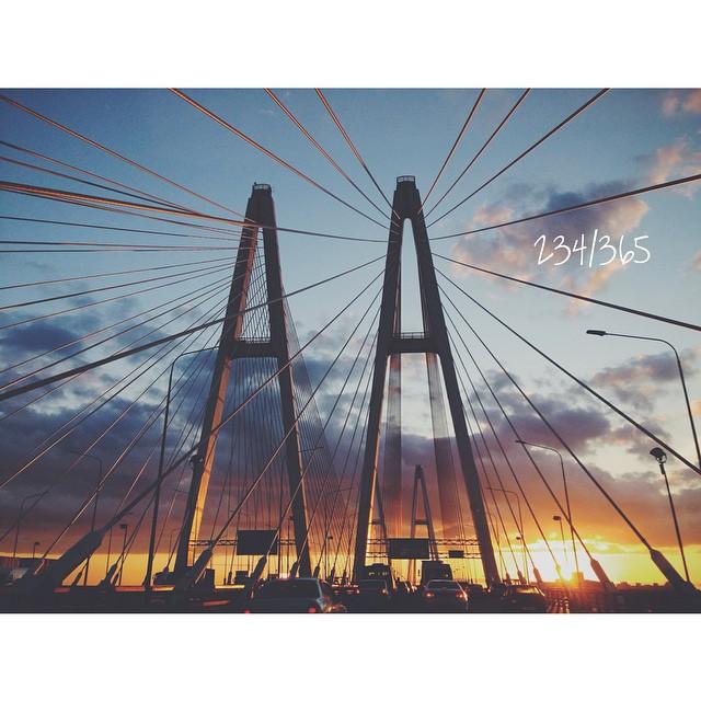 У меня каждый раз перехватает дыхание от этих мостов и закатов. Город мой любимый.  до_30   #вантовыймост
