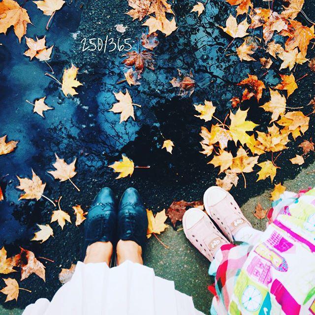 Волшебные были у нас выходные с  Подарки, прогулки, дни рождения, друзья, киносъемка, любимые кафе:)) до_30  #дочкиматери #счастливаямама #счастье_есть   #ногиноги