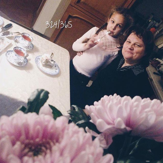 У любимой мамочки день рождения:) улыбки, радость и тепло. Спасибо, мамочка, за все! до_30 #дочкиматери  time
