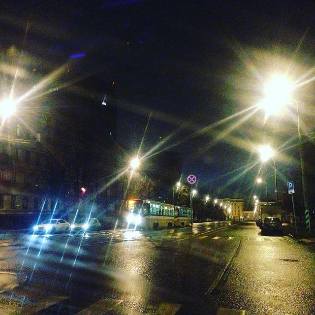 6 утра. Пустая Москва. Мчим на съемку. Только друзья меня могли уговорить на этот подвиг #ялюблюсвоюработу