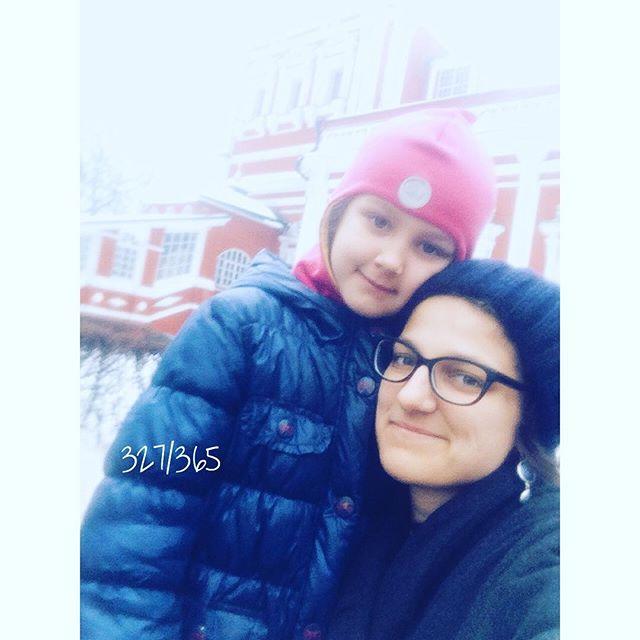 Очень душевно вчера сходили в Новодевичий монастырь на праздничную службу:) очень мне там нравится.   #дочкиматери