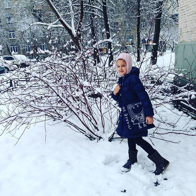 Когда встали в 6 утра, когда каникулы продолжаются, когда зима, когда с мамой на съемку красот от @tanyakarnacheva   #наработусмамой